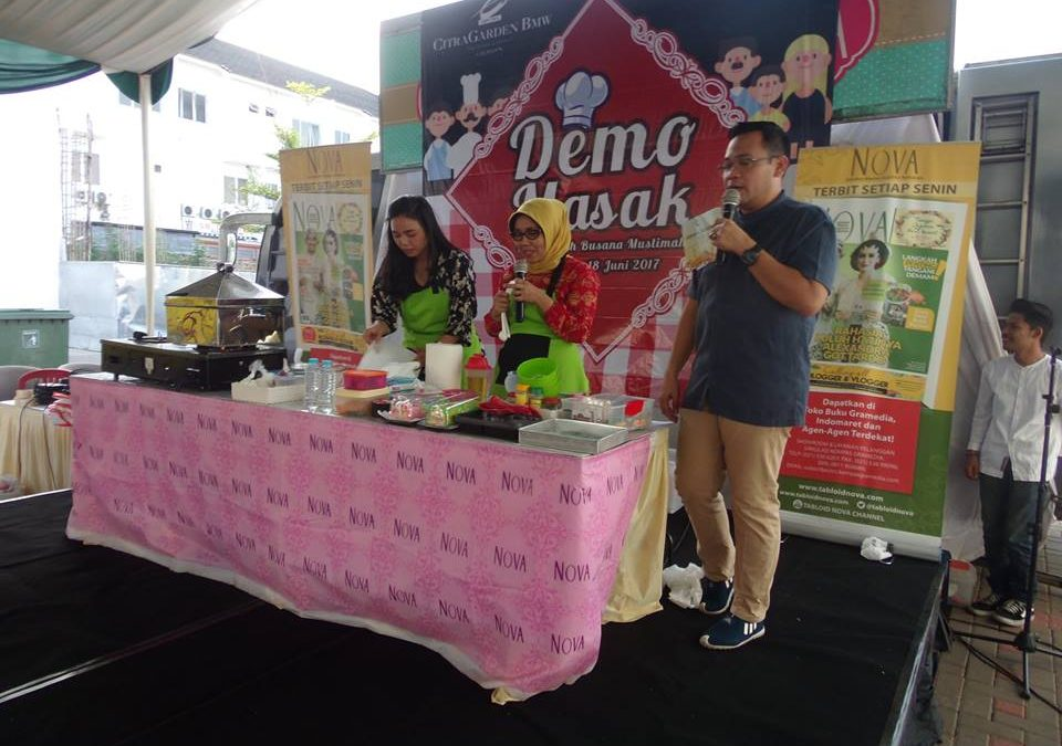 Demo Masak dan Mix n Match Busana Bersama Tabloid Nova
